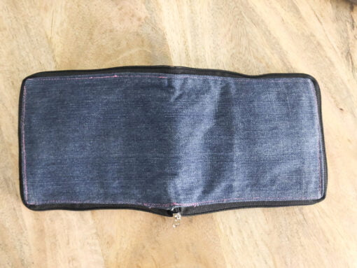 Square Pouch_Reverse